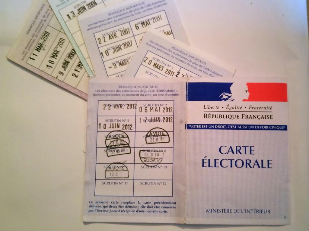 Cartes et tampons électoraux